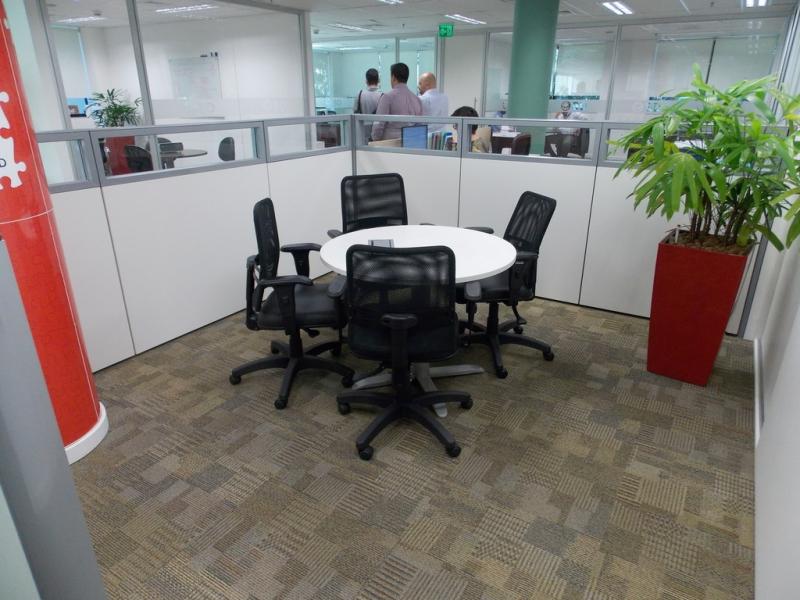 Comprar Sala de Reunião com Mesa Redonda Recife - Mesa Grande para Sala de Reunião