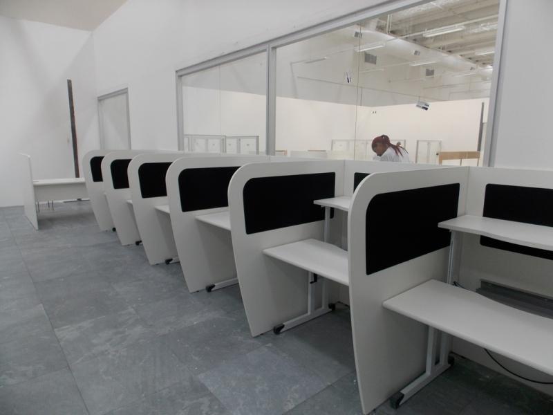 Fornecedor de Mobiliário Técnico com Regulagem Manual de Altura Leme - Mobiliário Técnico para Sala de Monitoramento