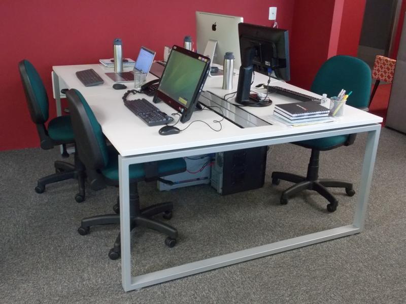 Mesa de Escritório Plataforma 4 Lugares Campo Limpo Paulista - Plataforma para Escritório para Trabalho