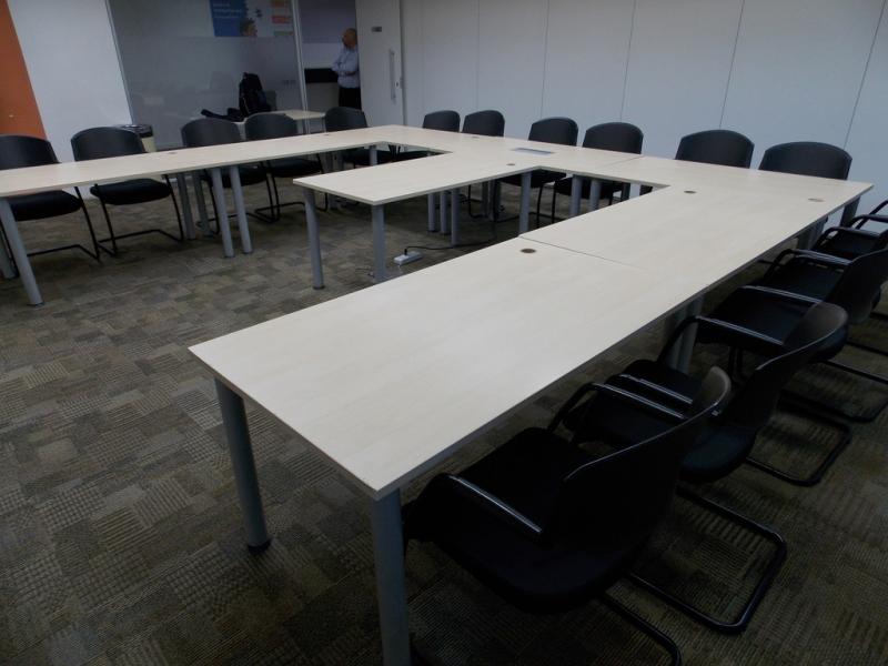 Mesa Sala de Reunião Batatuba - Sala de Reunião com Mesa Redonda