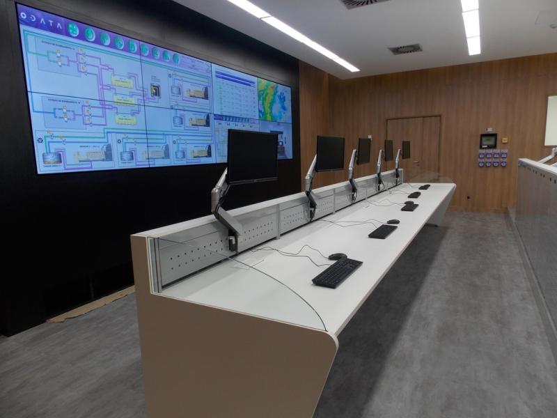 Mobiliário Técnico para Centro de Controle Casa Verde - Mobiliário Técnico com Regulagem Elétrica de Altura