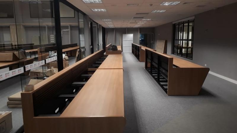 Mobiliários Técnicos para Sala de Controle Portuguesa - Mobiliário Técnico com Regulagem de Altura