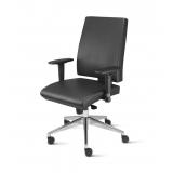 cadeira de escritório couro preço Vila Mazzei