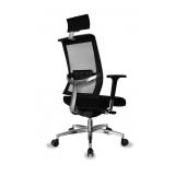 cadeira de escritório presidente em tecido Três Rios