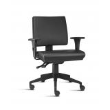 cadeira giratória para escritório de couro