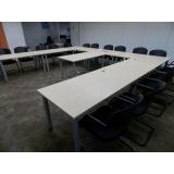 mesas para sala de reunião Americana